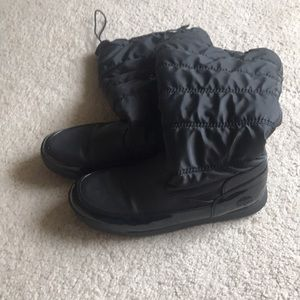 Black Tote Boots
